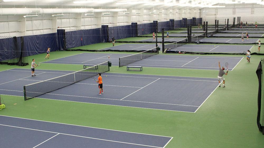 Innanhúss tennisvellir í Reykjavík